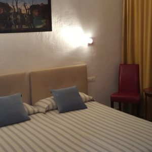 habitacion-triple-hostal-catalina